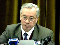 Азаров: В парламент пройдут 8-9 партий
