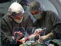 Операция на головном мозге. Уникальные фото