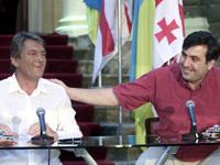 Ющенко первым поздравил Саакашвили с Николаем