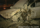 Киев. Легковушка, зацепившись за бордюр, выписала несколько пируэтов в воздухе. Фото