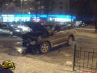 В центре Киева Toyota Camry потеряла управление и… наломала кучу дров. Без жертв не обошлось. Фото