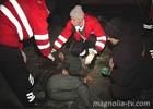 Пьяного киевлянина сбила машина. Пока ему оказывали помощь, он заснул прямо на дороге. Фото