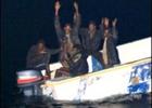 Сомалийские пираты крепко лоханулись, перепутав танкер с военным кораблем. Фото