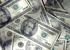 Гривна все больше прогибается перед долларом