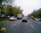 Киев. «Газон» от души дал под зад «румыну». Чудом не пострадала женщина-пешеход. Фото