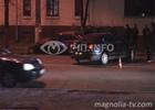 Киев. «Хюндай» не смог протиснуться между двумя машинами. В результате пострадали все. Фото