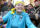 Бабу Параску не пустили на празднование годовщины оранжевой революции. Эх, знала бы тогда старушка…