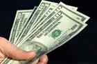 Наличный доллар неутомимо катится в пропасть