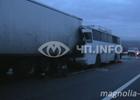 На Харьковщине автобус протаранил грузовик. Есть убитые и раненые. Фото