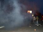 В Киеве забросали немецкое посольство дымовыми шашками. Протестанты требуют освободить охранника концлагеря