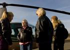 Американка в свои сто лет не боится садиться за штурвал вертолета. Фото