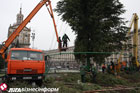 В Киеве на Майдане уже поставили главную елку страны. Фото