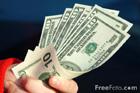 Торги открылись на межбанке. За доллар никто и ломанных 8 гривен не дает
