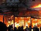 Во Львове пылает жилой дом. Огонь отрезал людям путь для спасения