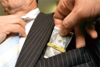 Воруй, чиновник. Борьбу с коррупцией в Украине отложат до апреля