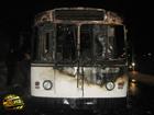 В Чернигове дотла сгорел троллейбус. Водитель был бессилен. Фото