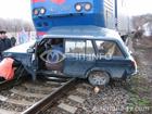 В Крыму поезд раздавил легковушку. Погибли люди. Фото