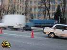 Киев. Беспечный пешеход разбил собой передок «ВАЗ-2107». Фото