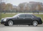 В объектив фотошпионов попал новый седан Chrysler 300C. Фото