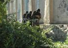 Такого прихода явно там не ждали. Убоповцы накрыли наркопритон в Севастополе. Фото