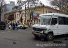 В Одессе две маршрутки изрядно помяли друг друга. Фото