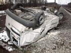 Очередная авария на ж/д переезде под Киевом. Водитель чудом выжил. Фото