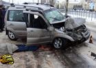 Кровавая авария в Сумах. Неуправляемая машина «обняла» бетонный столб. Фото