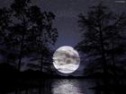 Астрофизики увидели на Луне загадочный луч