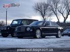 С Новым годом, олигархи. В Украину привезли Bentley Mulsanne. Фото