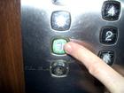 В Киеве сорвался лифт с женщиной и младенцем