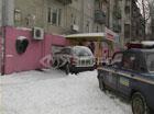В Киеве женщина за рулем отправилась в магазин, не выходя из машины. Фото