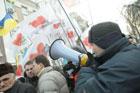 «Пшонку – в кашу». Как люди провожали Тимошенко в Генпрокуратуру. Фото
