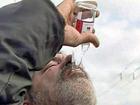 Пьяный российский депутат покусал гаишника и чуть не выбил ему пальцем глаз