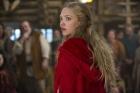 В Голливуде отгрохали готическую сагу о Красной Шапочке. С оборотнями, мистикой и Гэри Олдманом. Фото