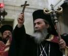 Киев готовится к приему высокого гостя. Азаров начищает меч