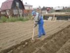 Азаров как в воду глядел. На Харьковщине нашли газ. Берем лопаты – ищем нефть