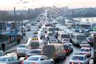 Нардепы решили, что иногда лучше помалкивать. Все дороги в королевстве и дальше будут перекрываться ради Януковича, Литвина и Азарова