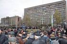 Чернобыльцев окончательно достали. Донецк просит Януковича уйти в отставку