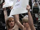 Барышни из FEMEN задали жару в Нью-Йорке. Фото