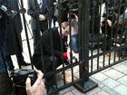Как Парубий героически сражался с забором возле Рады. Фото
