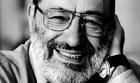 Поклонникам творчества Умберто Эко лучше присесть. Писатель сделал важное заявление