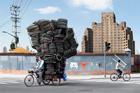 Китайцы лишний раз доказали, что велосипед и больная фантазия запросто могут заменить грузовик. Фото