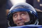 В казахской степи приземлились космонавты. Степь встретила их снегом и ветром. Фото