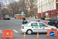 Проведать Тимошенко теперь не так-то просто. Милиция перекрыла подъезд к СИЗО, говорят из-за ремонта  дороги. Фото
