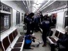 Драка на Лыбедской: бабуля-попрошайка, женщина с цветами и окровавленный милиционер. Видео
