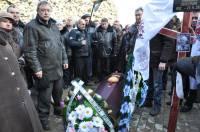 Пиар можно сделать на всем. Как по Донецку чернобыльцы пустой гроб носили. Фото