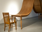Дизайнеры придумали стол для семей, которые до смерти устали друг от друга. Фото