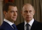 Путин поклялся, что бюллетень не портил, а чета Медведевых проголосовала тихо и мирно