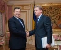 Фюле надеется, что в День Святого Николая Янукович не подсунет Европе свинью