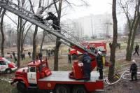 В Луганске горела общага, в которой проживает 100 семей. Фото